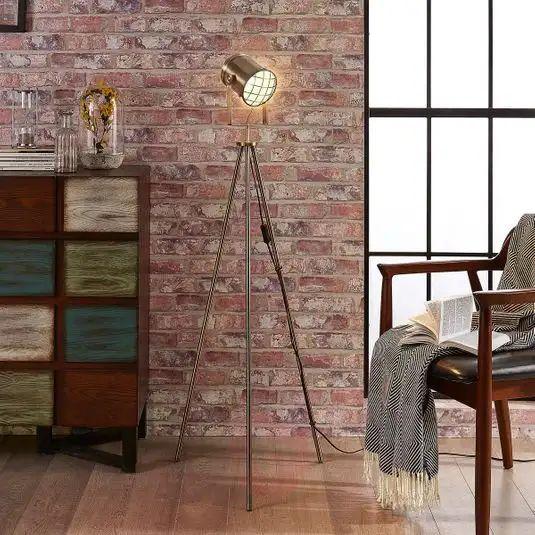Lampada da terra in ottone in stile industriale