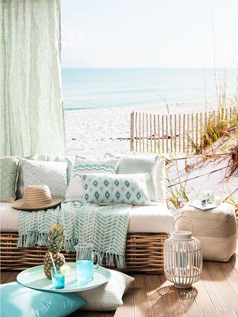 Colori chiari per relooking della casa d'estate