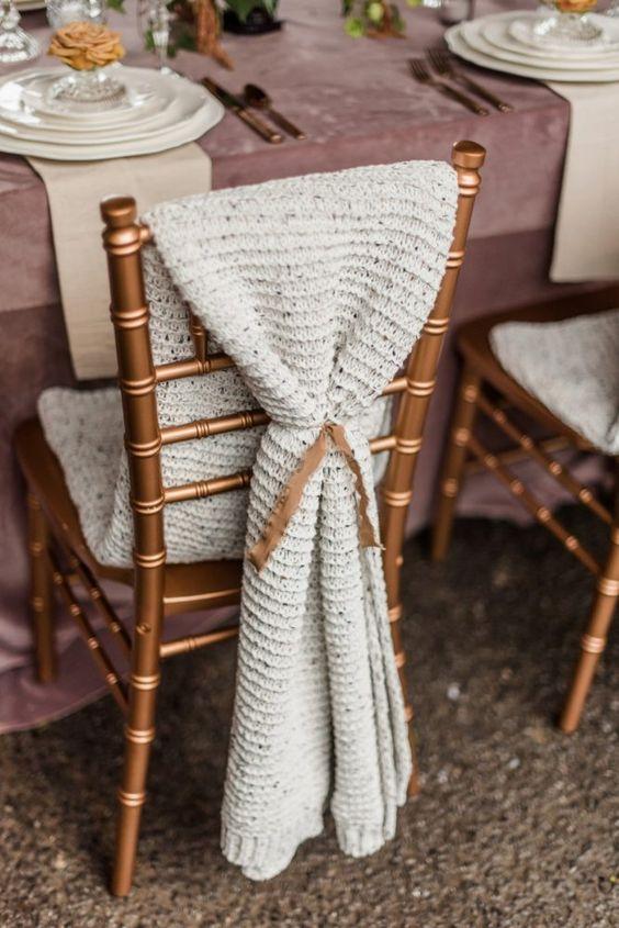 Decorazione sedia con lana
