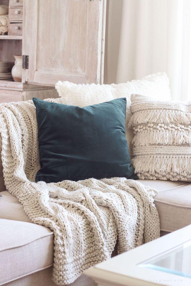Cuscini e palid con trame matericheper il soggiorno