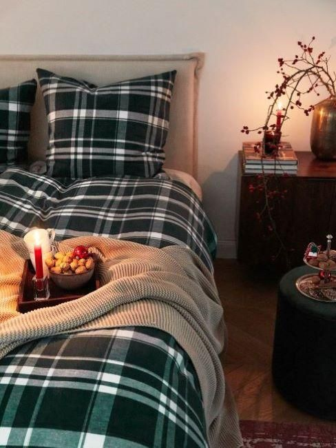 Set per il letto in tartan per una camera da letto in perfeeto mood natalizio su Westwing
