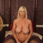 MIS FETICHES: MELODY NYLONS MILF