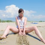 MIS FETICHES: JENY SMITH NAKED ON THE BEACH