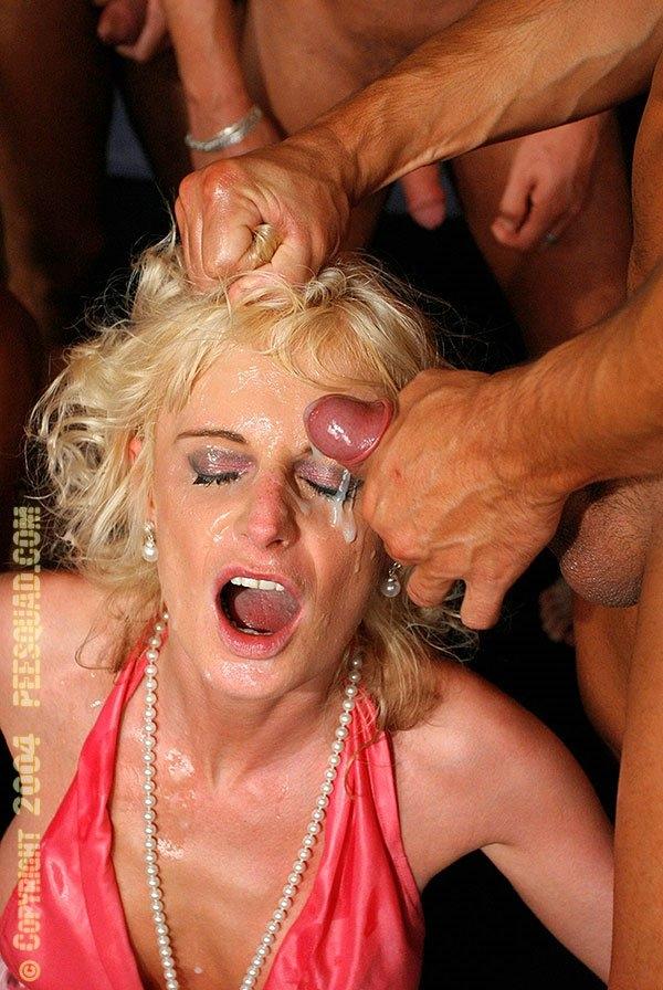 Horny blonde whore sucking deep throat very big cock 2