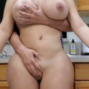 Stiefmoeder met dikke reet en grote tieten