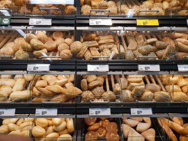 Berlin shopping prices bread
