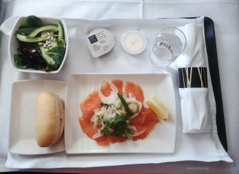 Cathay Pacific CX134 business lunch entree
