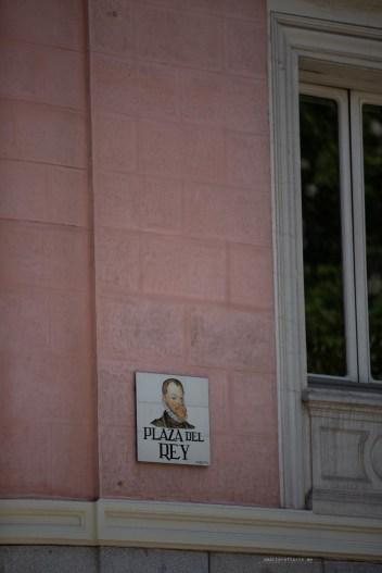 Pretty Madrid - tiles street name