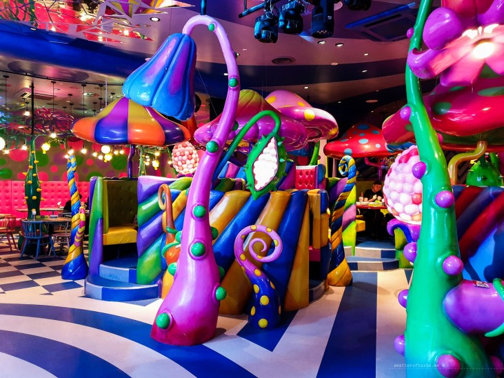 Psychedelic experience in Tokyo - monster cafe