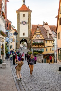Rothenburg ob der Tauber germany crowds photos