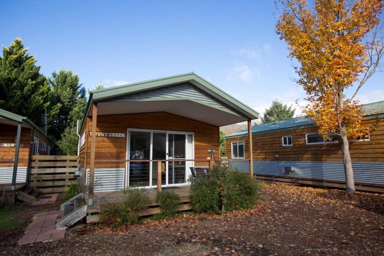 big4-bright-cabin