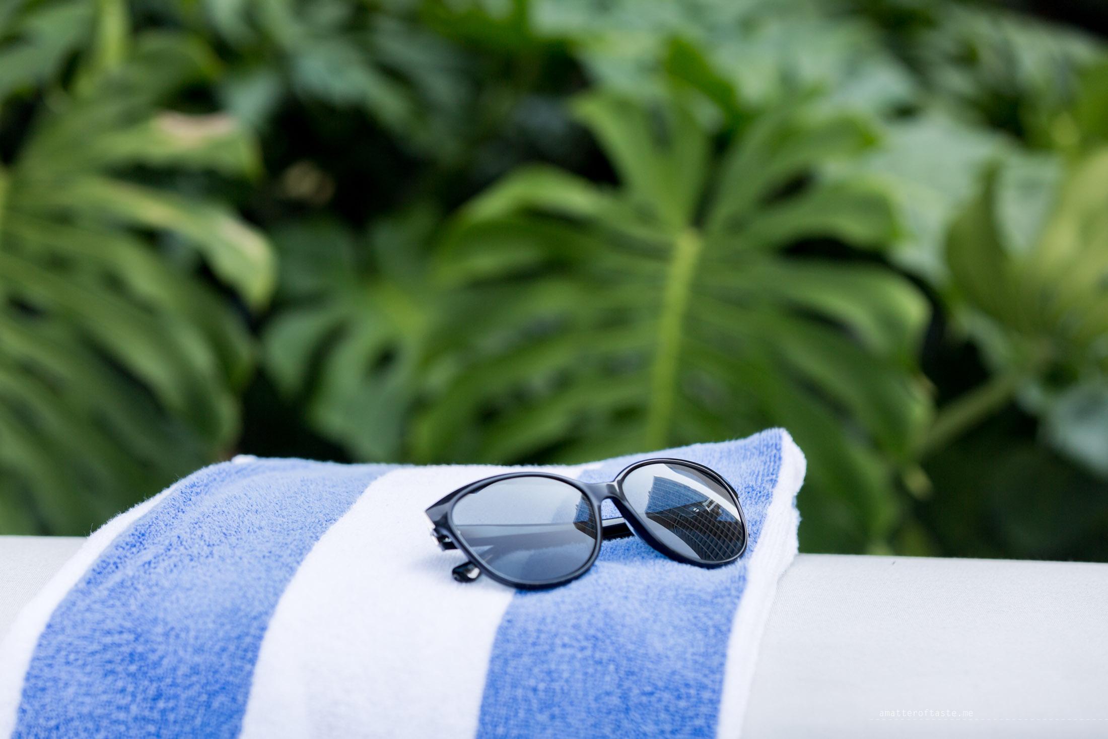 pool-towel-SofitelSingaporeCity-76