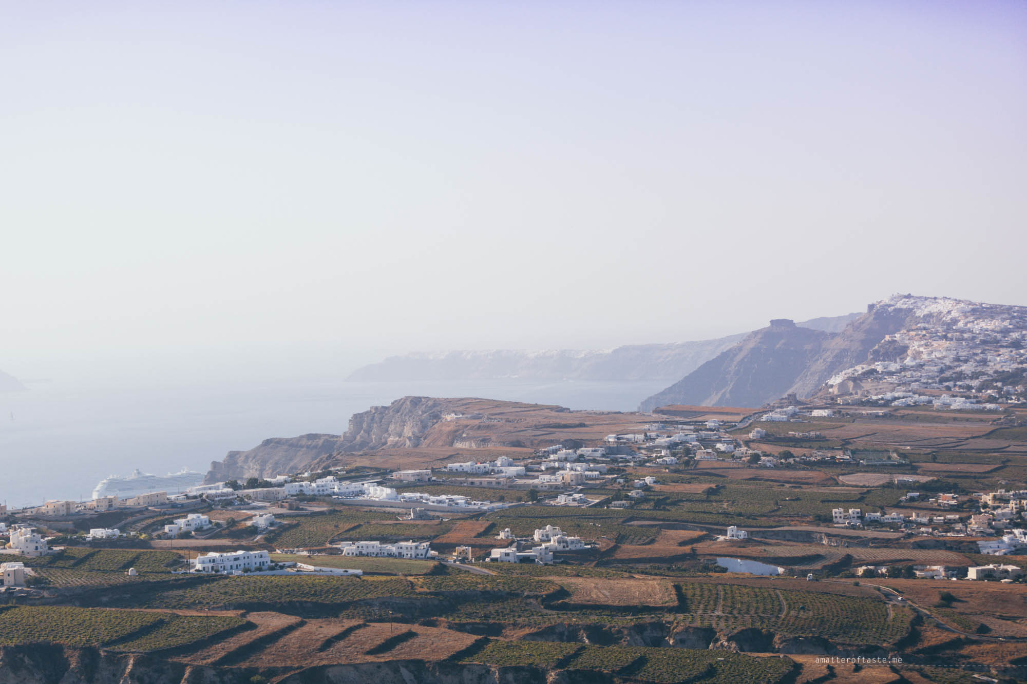 santorini-view-from-pyrgos