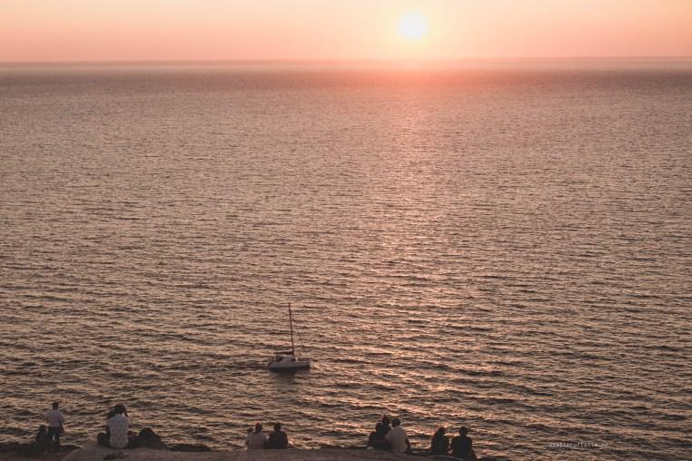 sunset-santorini-lighthouse-07