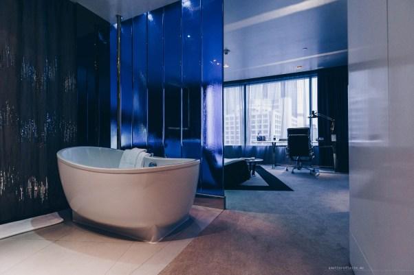 w-hotel-bangkok-12-spectacularroom-bathtub