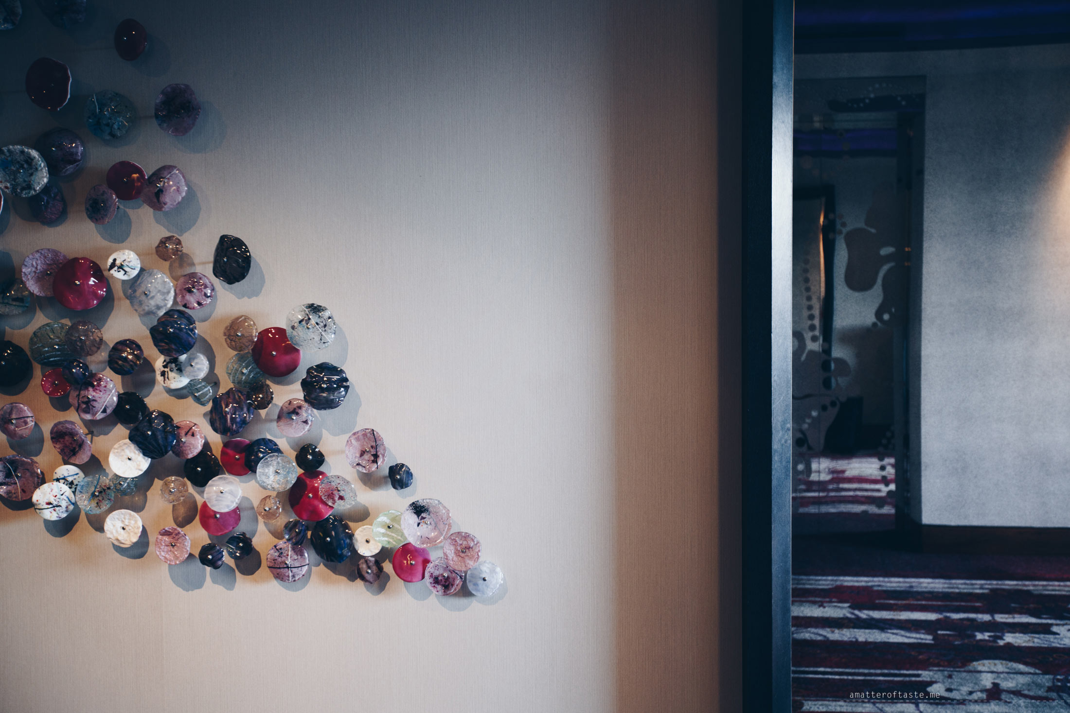 w-singapore-wall-detail