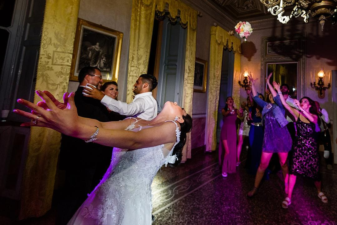 Bouquet Toss Villa Pizzo Lake Como