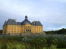 Your Christmas Getaway - Feeling a little down this December? Why not rent Vaux le Vicomte and flee to France. Don't bother telling your family and friends. You can always claim you were abducted by aliens if they ask any questions.