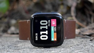 Apple Watch Series 4 v Fitbit Versa: Comparing the