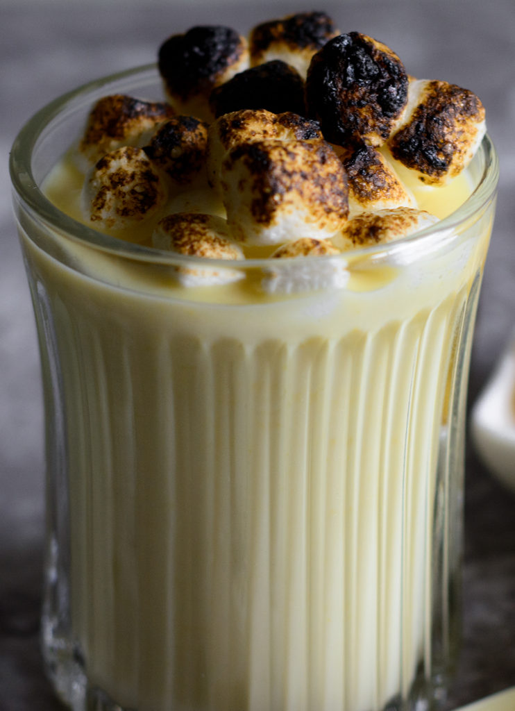 Ackee-hot-chocolate,-with-fire-roasted-marshmallows-on-top