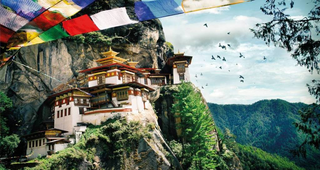 Taktsang Monastery Call Tigers Nest 5 Days Tour in Bhutan