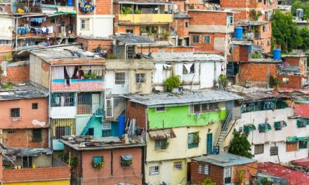 Bitcoin and Black Market Fiat: Hyperinflation Crushes Venezuela as Global Devaluation Ramps Up