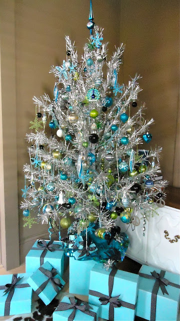 my favorite combination for turquoise or blue christmas