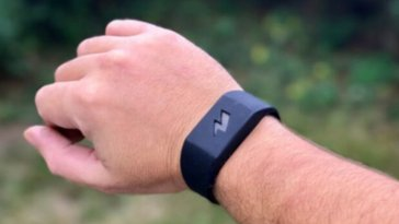 Bracelet From Amazon Gives You A Shock When You Eat Too Much Fast Food or Spending Too Much Money on the Internet