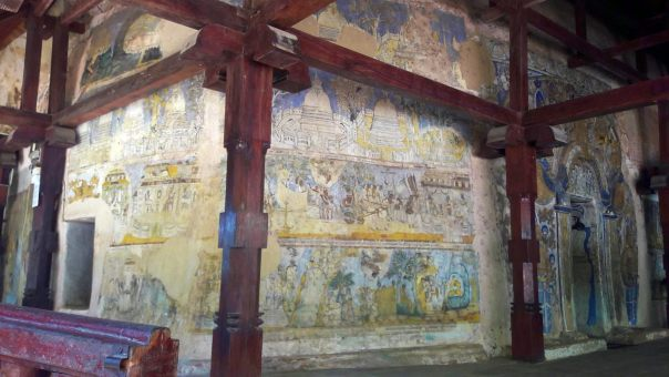 Paintings on the image house in the cave of Hindagala Rajamaha Viharaya