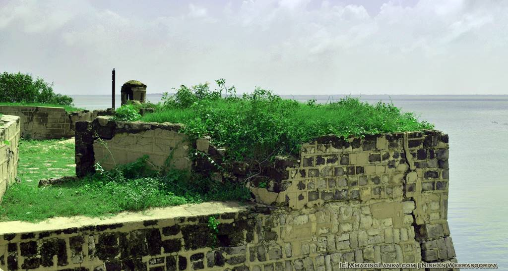 Walking along the walls of the Mannar Fort