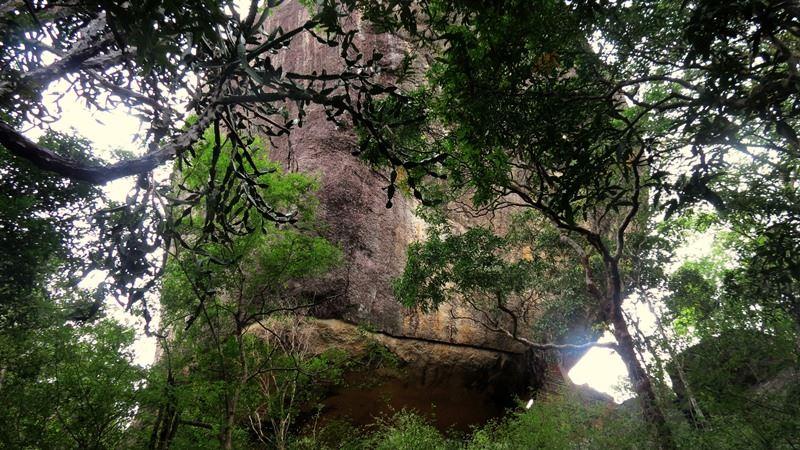 Bambaragasthalawa Caves inside Kumana