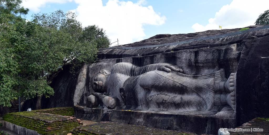 Reclining Buddha at Thantirimale