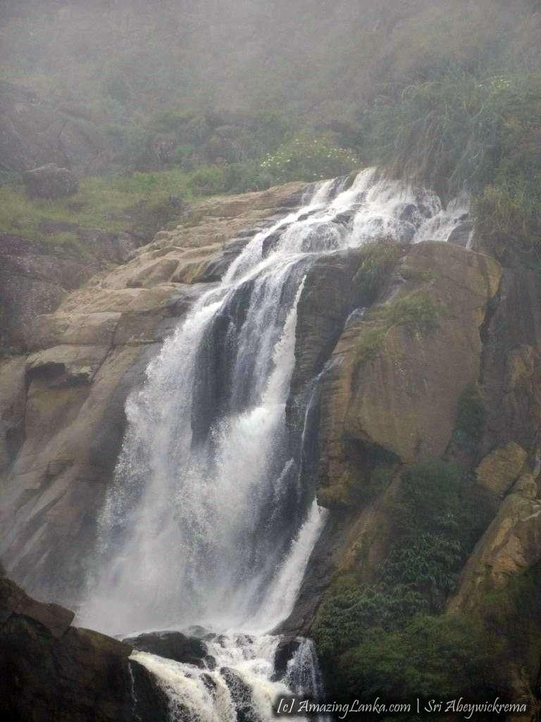 Kurundu Oya Ella Falls (Maturata Ella) - කුරුඳු ඔය ඇල්ල (මතුරට ඇල්ල)
