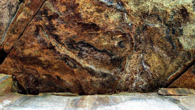 Piyangala Cave Painting ( Chitra Lena)