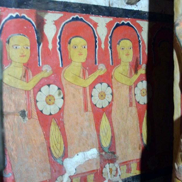 Tampita Shrine Room at Kolambagama Miyugunarama Rajamaha Viharaya