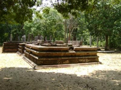 lager Hindu Kovil further in the jungle at archaeological site at Parakramapura - Padaviya
