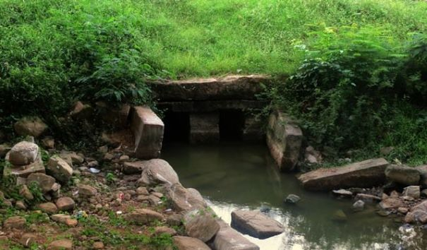 The ancient sluice gate of Yoda Wewa near the entrance of Yodakandiya Ancient Naga Maha Viharaya