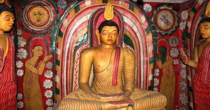Inside the Tampita Viharaya at Kadawalagedara Sri Sugatharamaya Rajamaha Viharaya