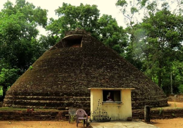 The resorted stupa at Maeliya Kabella Lena Purana Rajamaha Viharaya  - The site of Sidu Teledrama