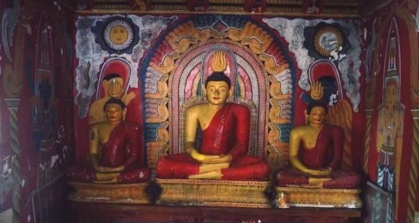 Inside the Tampita Viharaya of Makura Purana Rajamaha Viharaya