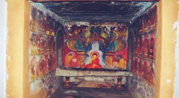 Inside the Moragammana Sri Mayurapada Purana Tampita Viharaya
