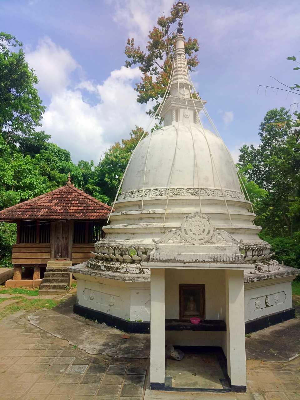 Muruddeniya Kandapita Purana Tampita Viharaya - මුරුද්දෙනිය කන්දපිට පුරාණ ටැම්පිට විහාරය