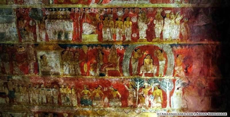 Murals on the inner wall of the Dembawa Purana Tampita Viharaya
