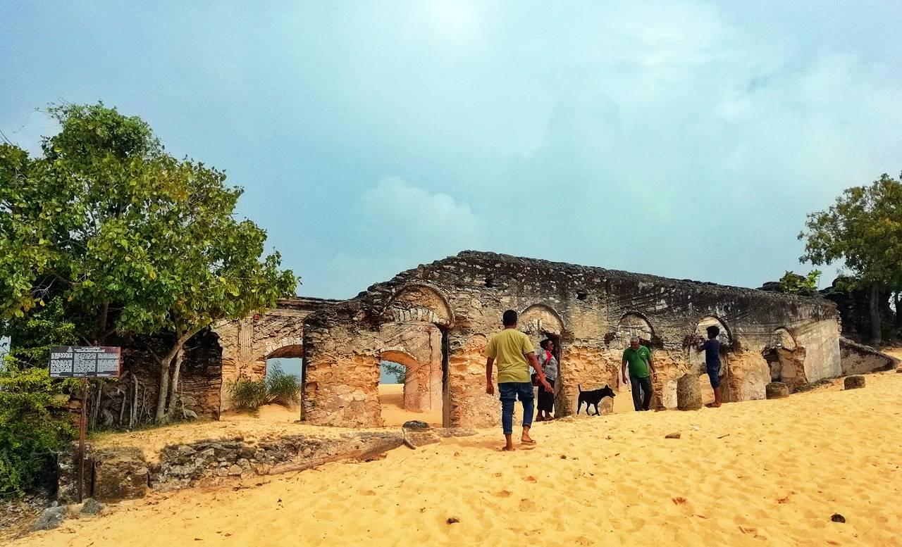 Ruins of the Manalkadu Dutch Church in Jaffna