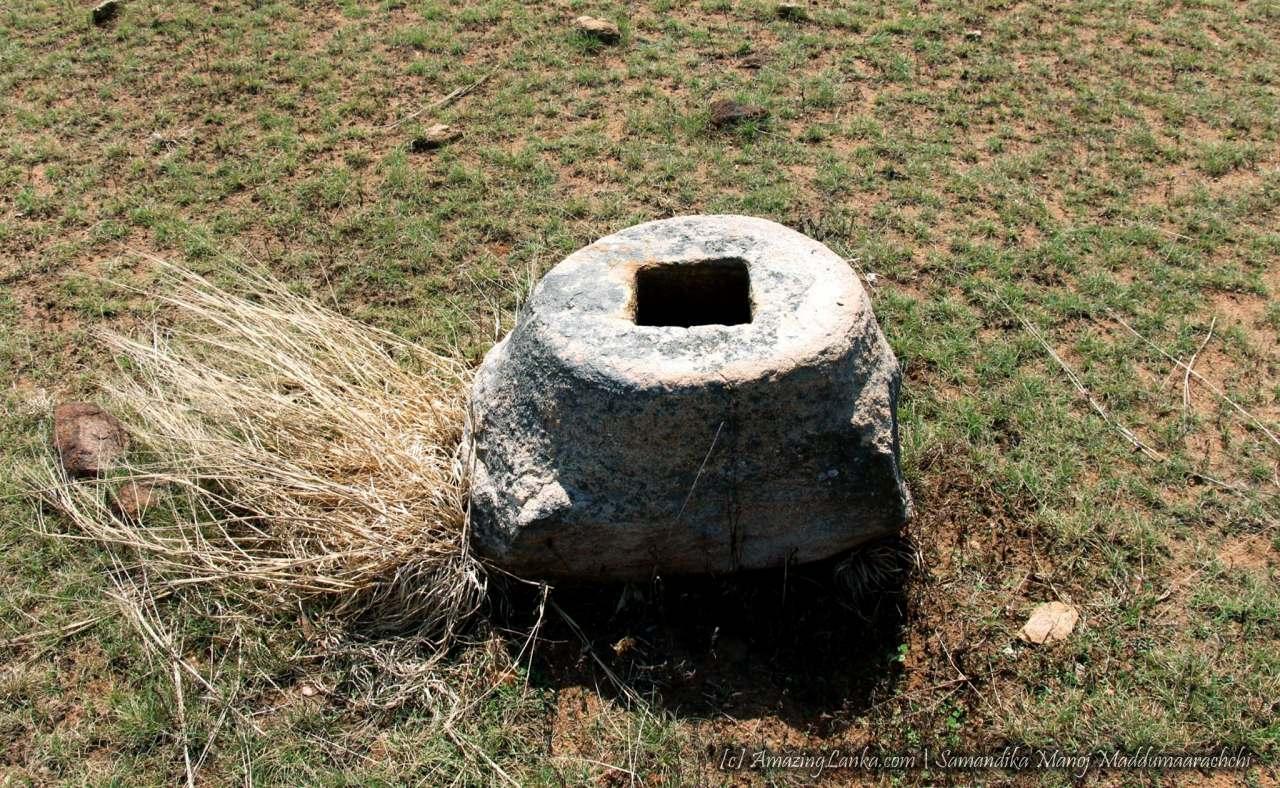 මිහින්තලේ අනුලා දේවී චෛත්යය නටබුන් - Ruins of the Mihinthale Anula Devi Chethiya
