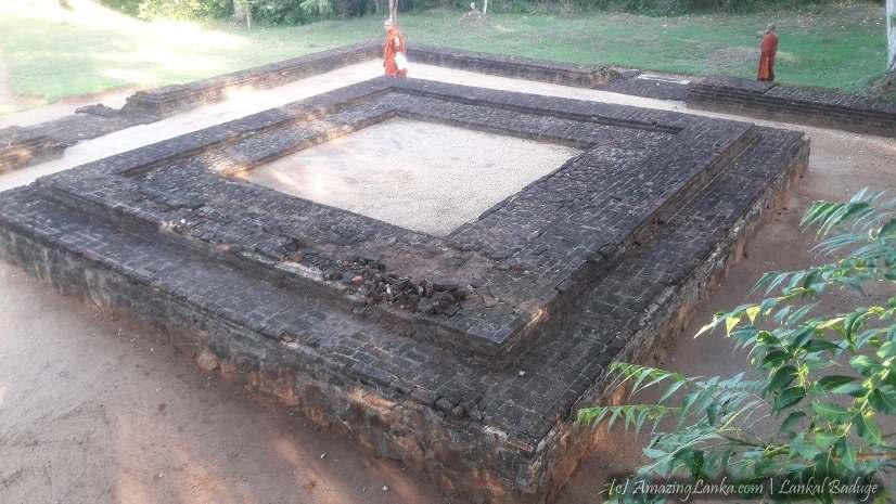 ගෝමරන්කඩවල ආඳාගල පැරණි බෝධිඝරය හා නටබුන් - Ancient Andagala Bodhigaraya in Gomarankadawala