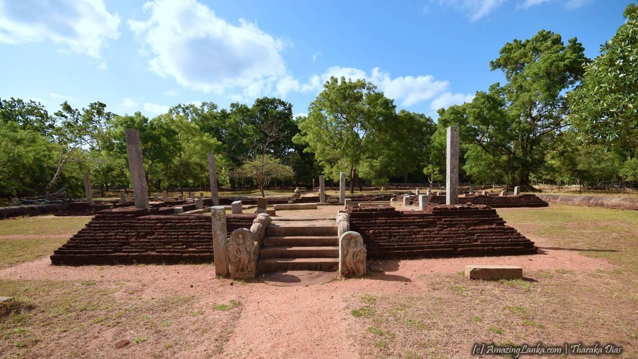 Ruined image house at the Indikatu Seya Monastery Complex at Mihintale - මිහින්තලේ ඉඳිකටු සෑය ආරාමය