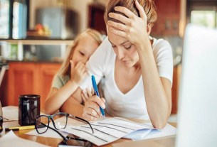 A Study Founds That Mothers With Full-Time Job Are 40% More Stressed