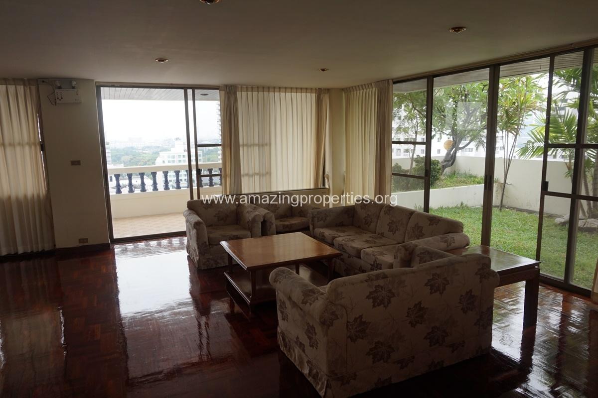 Duplex 4 bedroom Apartment in Sriratana Mansion 1