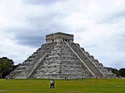 Die Kukulkanpyramide in Chichen Itza